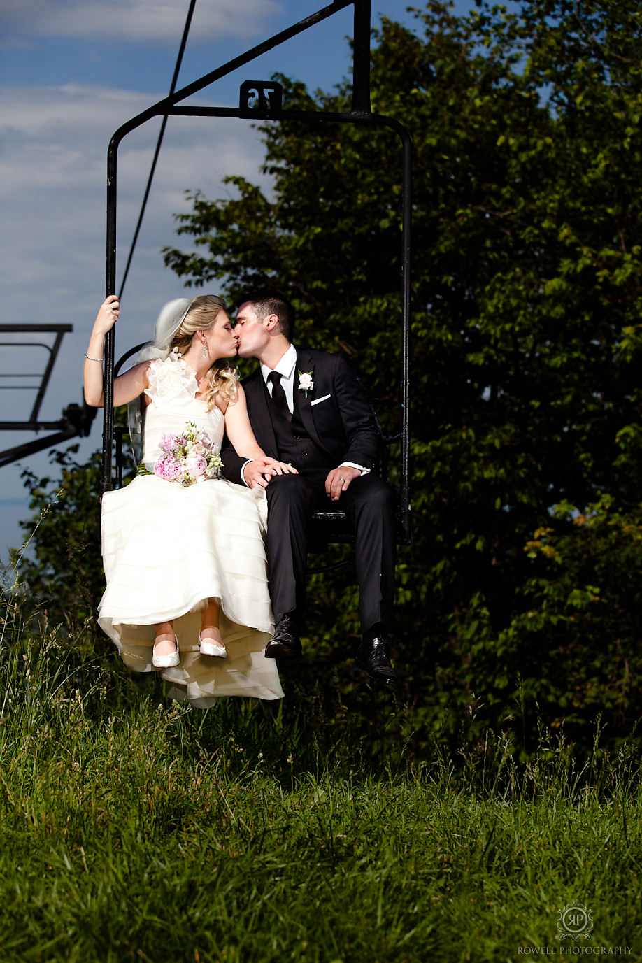 romantic blue mountain wedding Blue Mountain Resort Wedding   Collingwood, ON