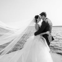Muskoka photographer captures romantic wedding on the lake.