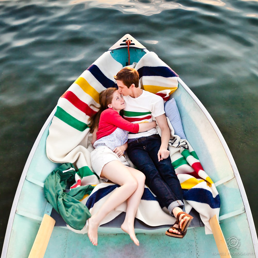 hudsons bay blanket boat engagement session Toronto, Barrie, Muskoka Wedding Photographer