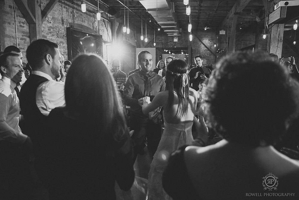 bride and groom first dance archeo wedding toronto ontario Arta & Archeo Wedding   Toronto
